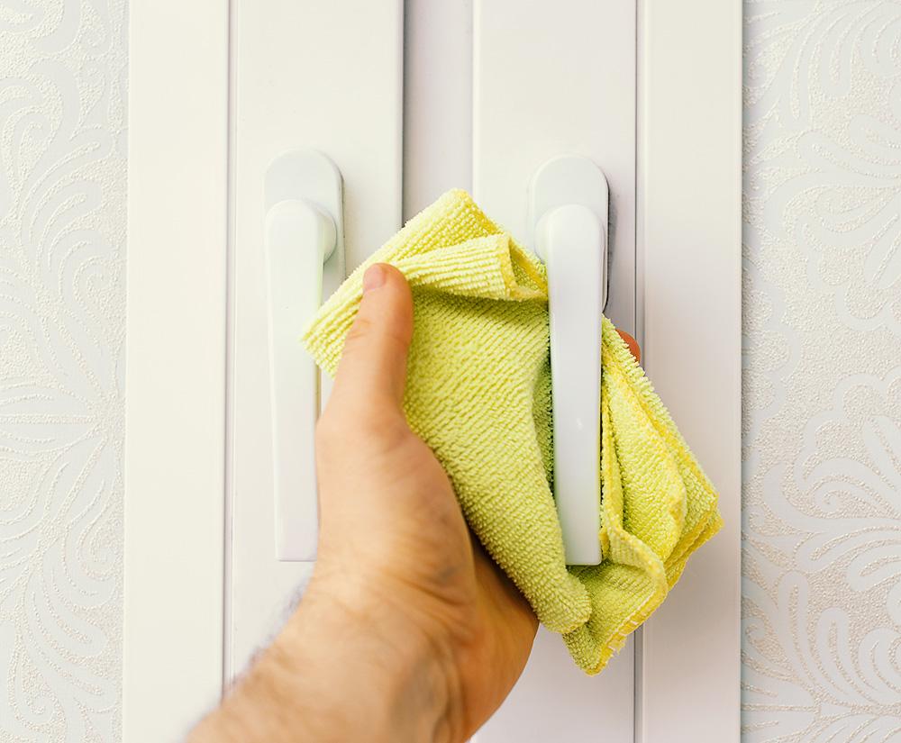Kilka sposobów na wiosenne mycie okien